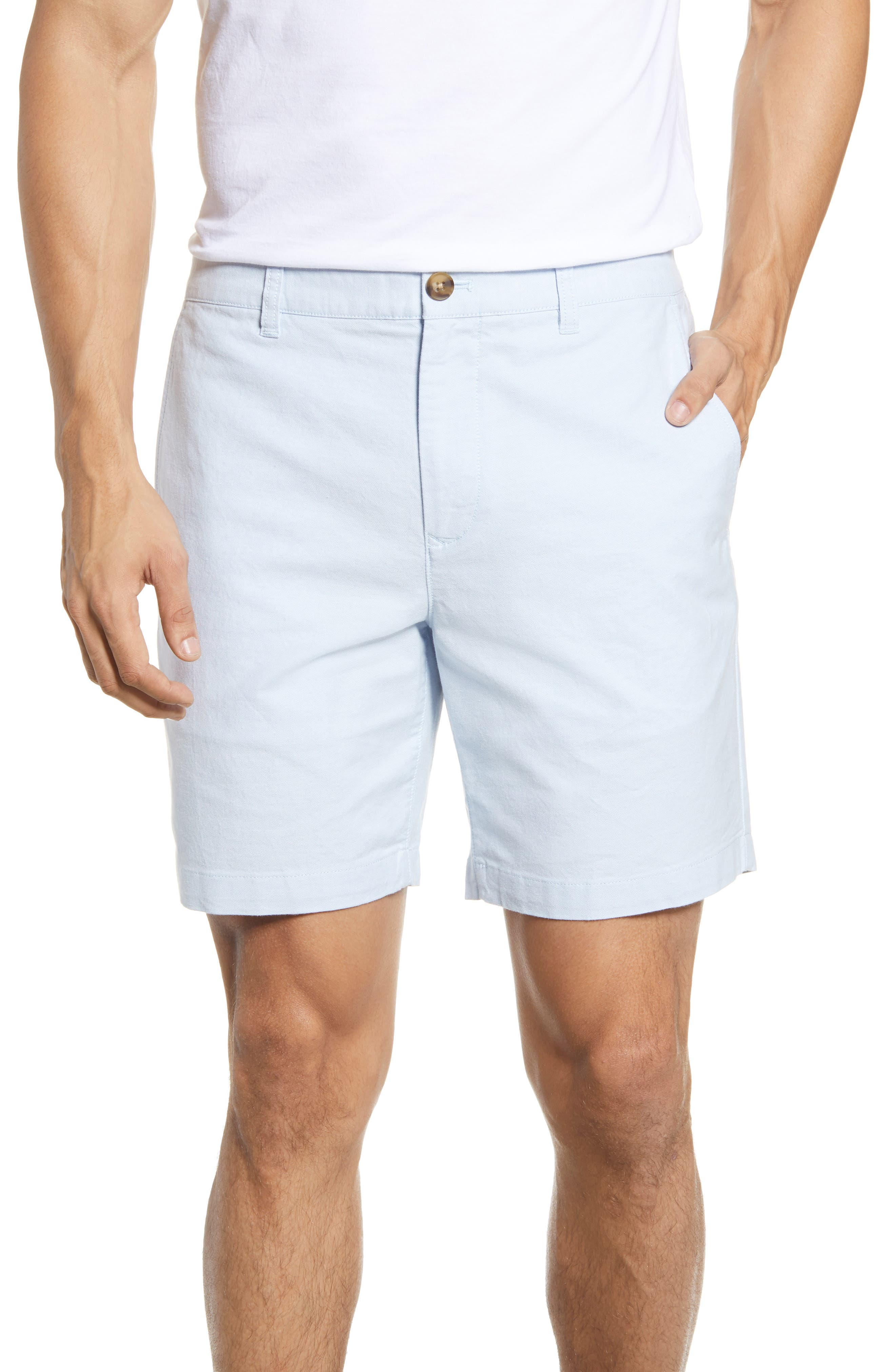 These classic laid-back chino shorts are updated with an oxford weave of stretch cotton that\\\'s washed for softness. Style Name: Bonobos Stretch Oxford Chino Shorts. Style Number: 6016622. Available in stores.