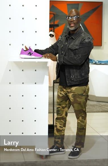 247 Sneaker, sales video thumbnail