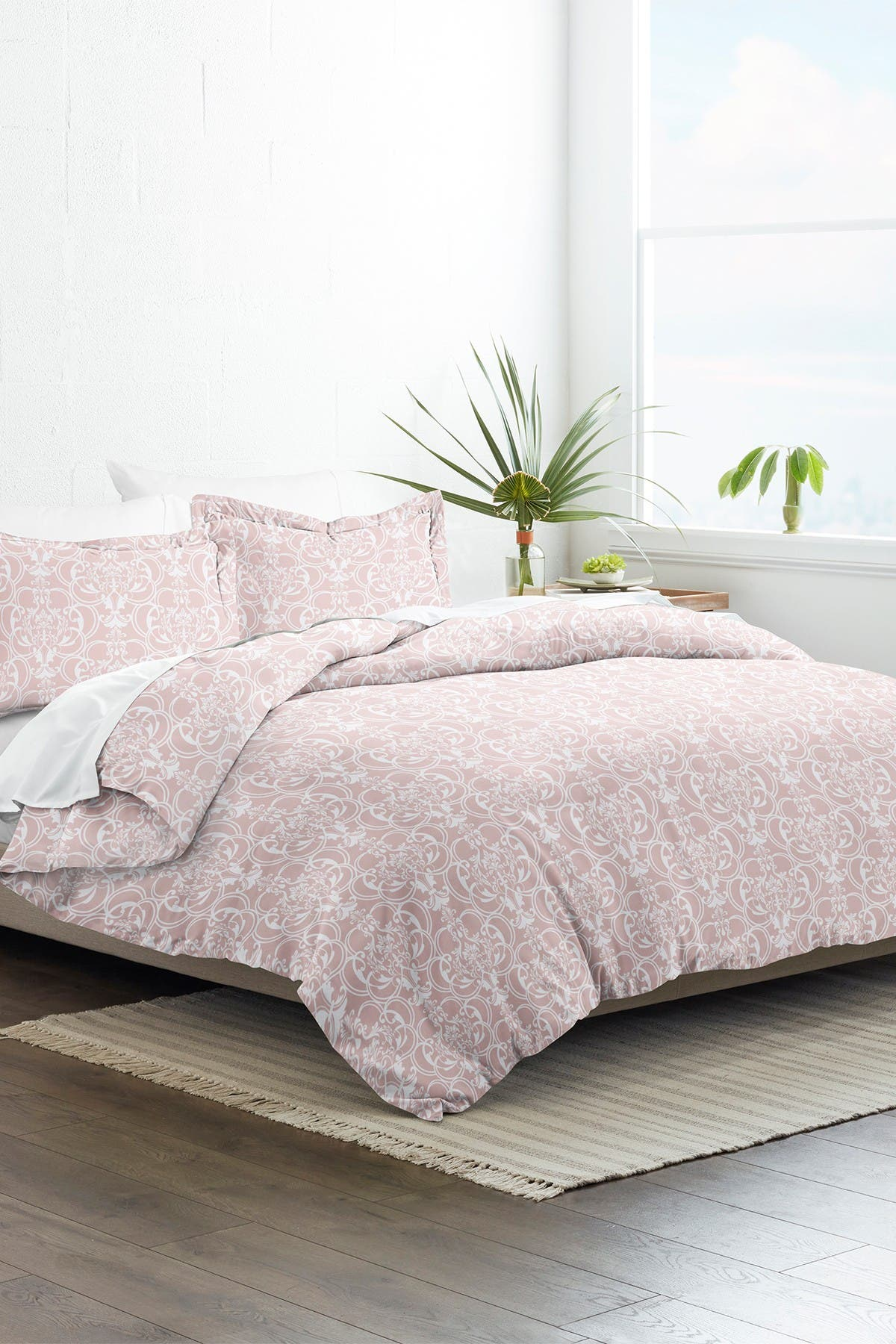 Image of IENJOY HOME Home Collection Premium Ultra Soft Romantic Damask Pattern 3-Piece Twin/Twin Extra Long Duvet Cover Set - Pink