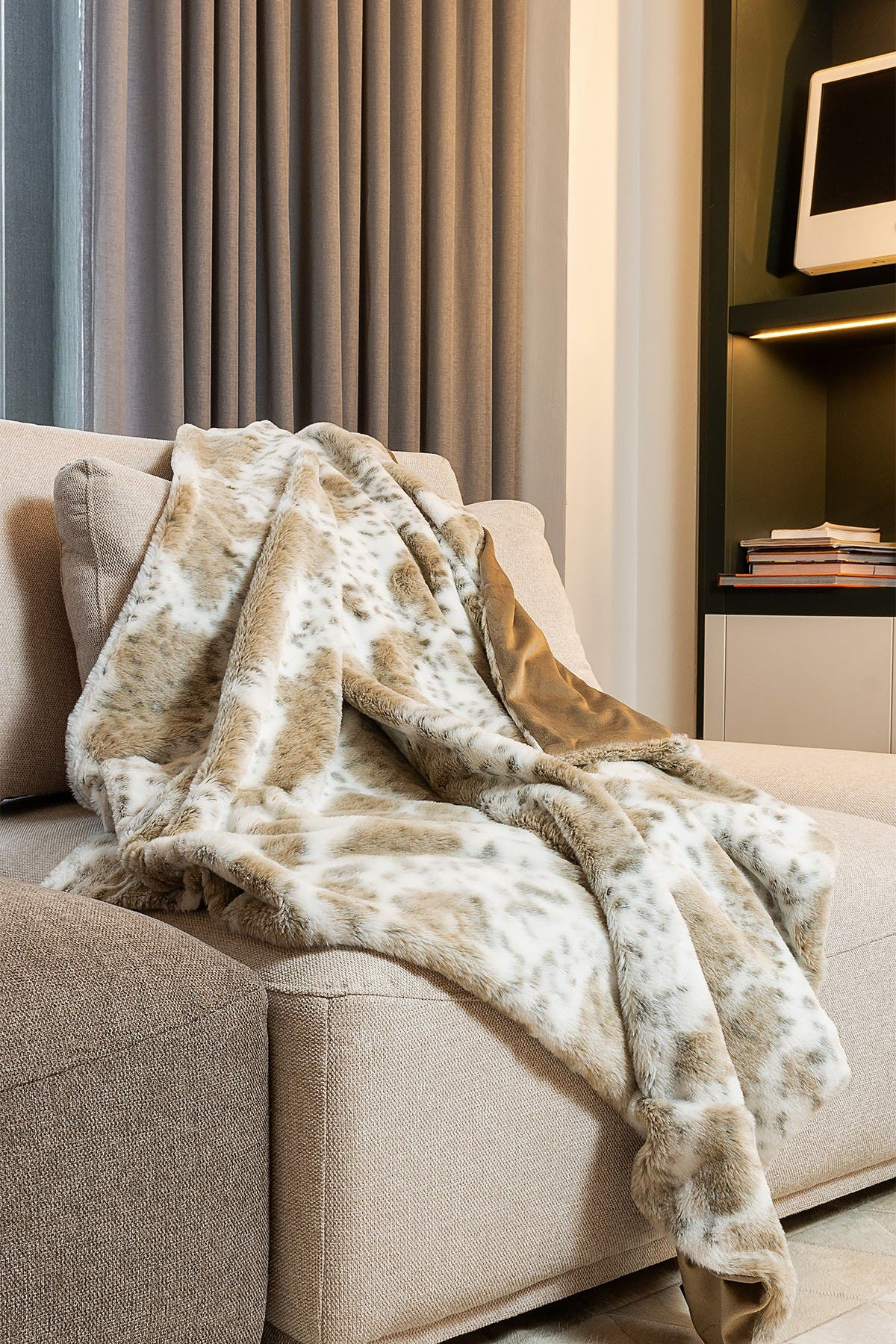 """Image of LUXE Faux Fur Throw - 50"""" x 60"""" - Snow Leopard"""