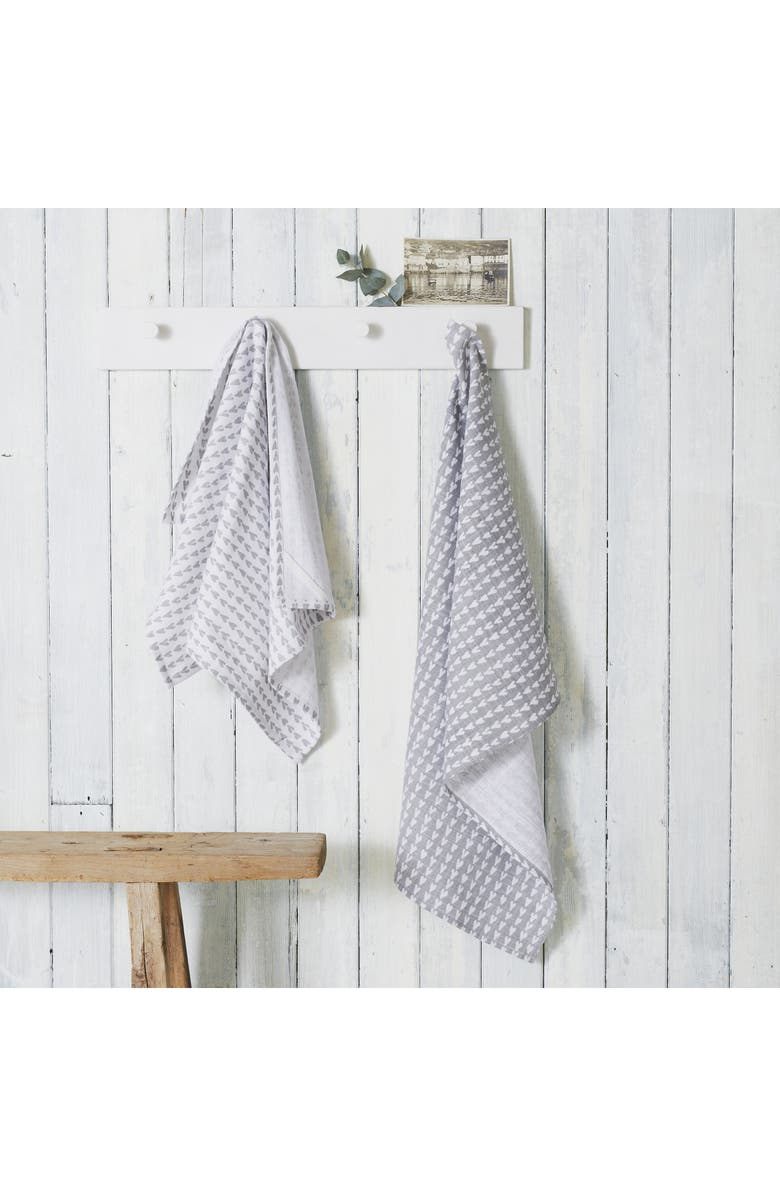 THE WHITE COMPANY Set of 2 Heart Print Tea Towels, Main, color, GREY/ WHITE