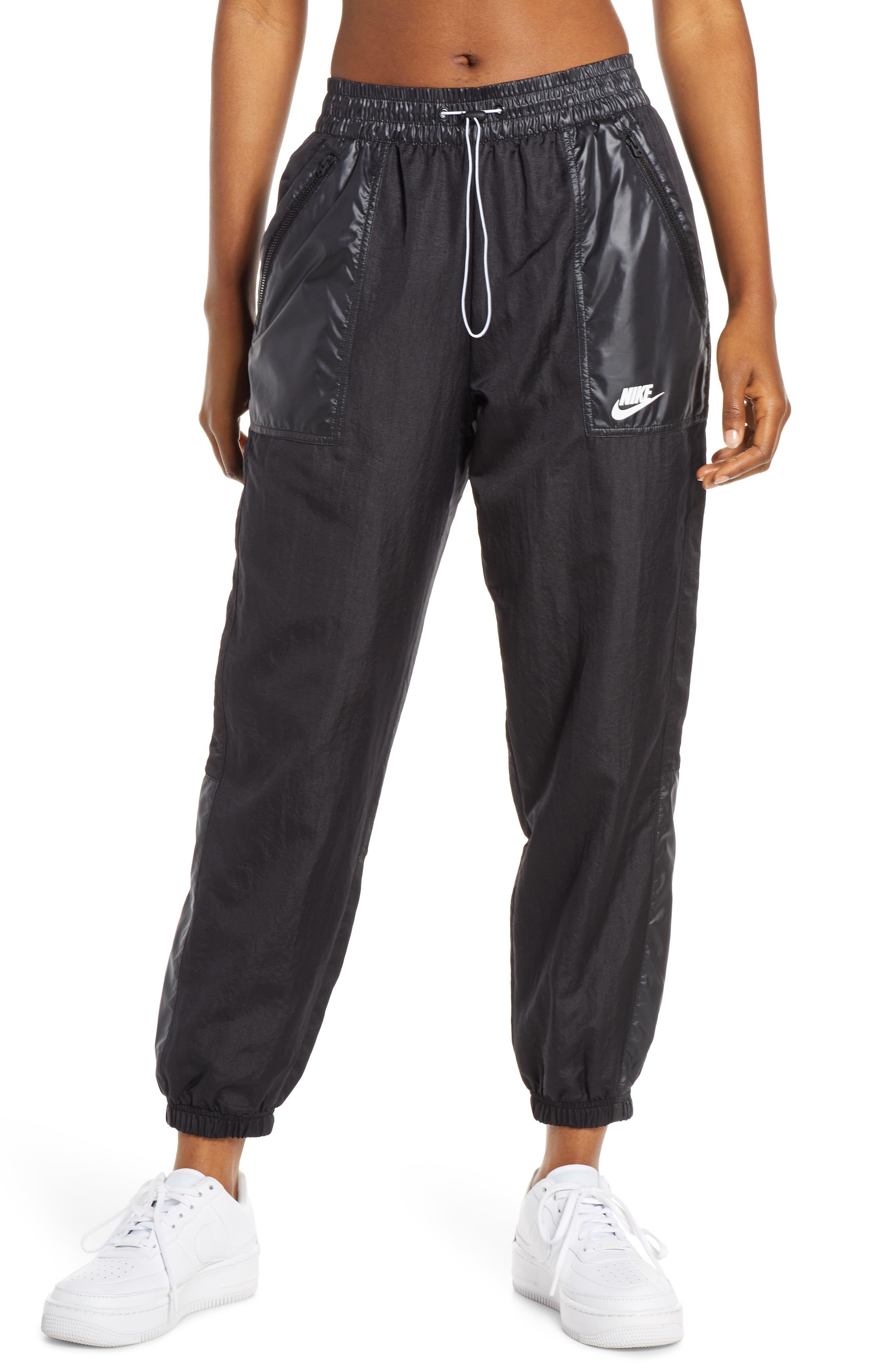 Nike Sportswear Woven Cargo Pants