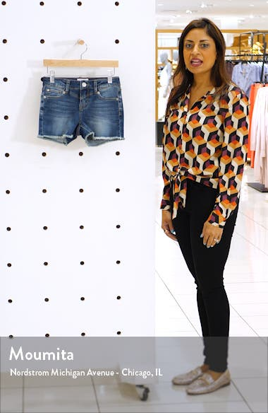 Alani Short-3 Frayed Hem Shorts, sales video thumbnail