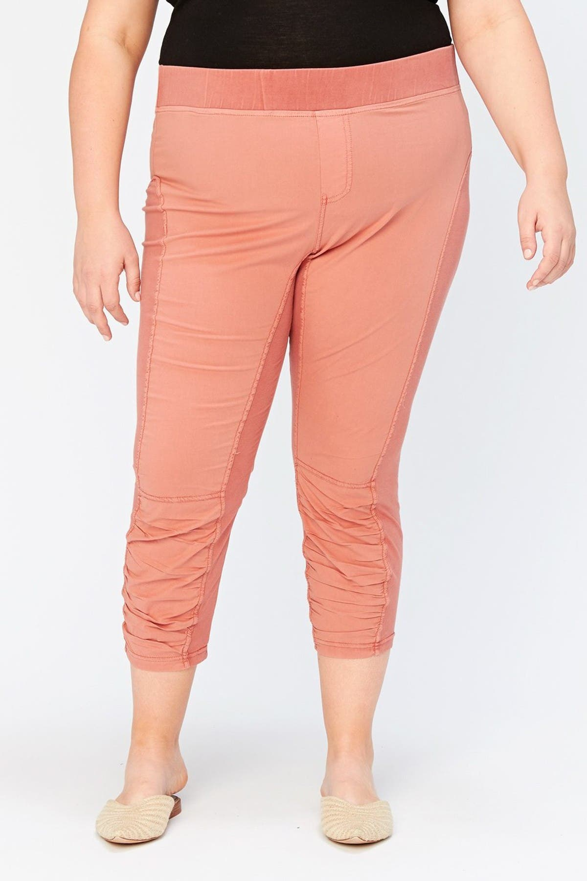 Image of XCVI Jetter Ruched Crop Leggings