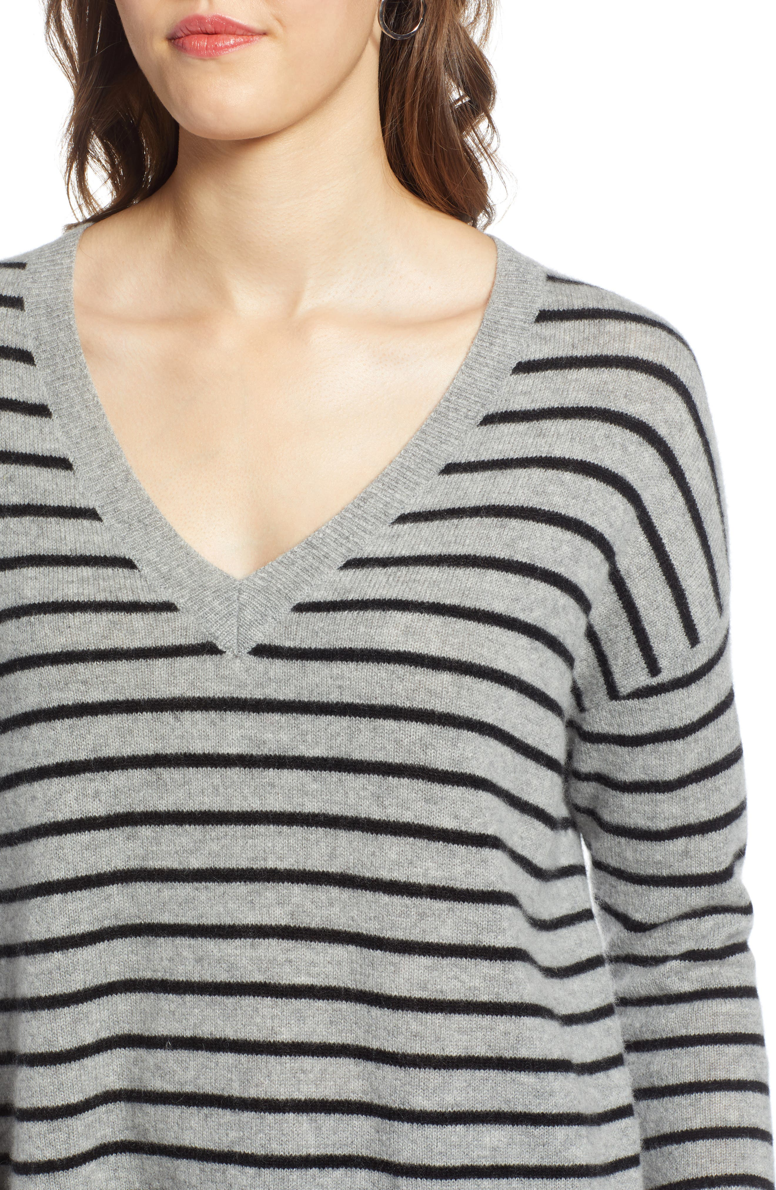 ,                             Relaxed V-Neck Cashmere Sweater,                             Alternate thumbnail 32, color,                             031