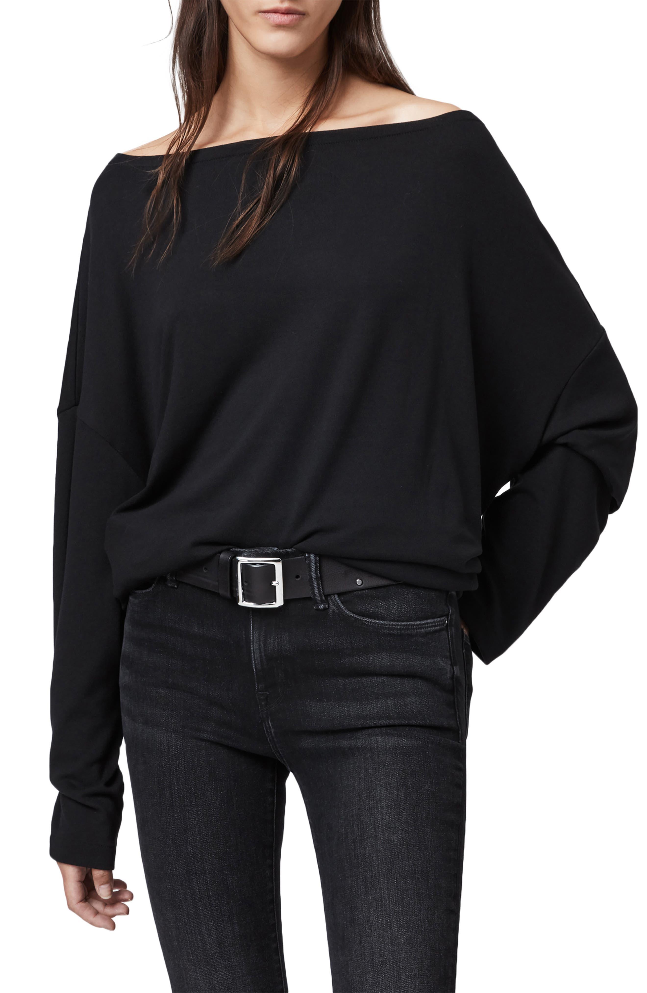 Rita Oversize One-Shoulder Long Sleeve Tee