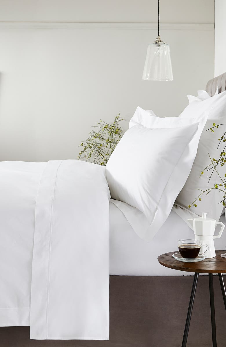 THE WHITE COMPANY Luxury Savoy 200 Thread Count Flat Sheet, Main, color, WHITE