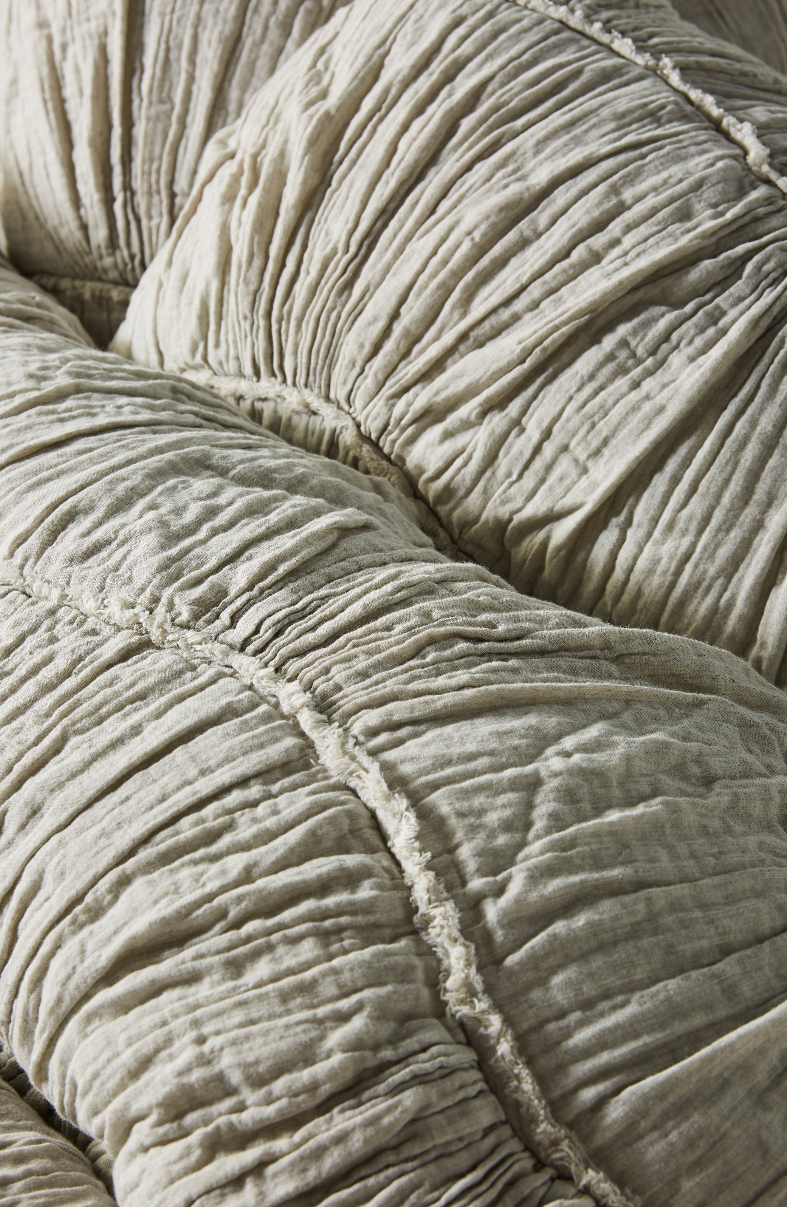 ,                             Ruched Wave Quilt,                             Alternate thumbnail 4, color,                             GREY