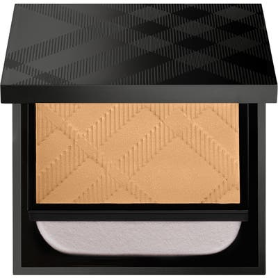 Burberry Beauty Matte Glow Compact Foundation - 50 Medium Cool