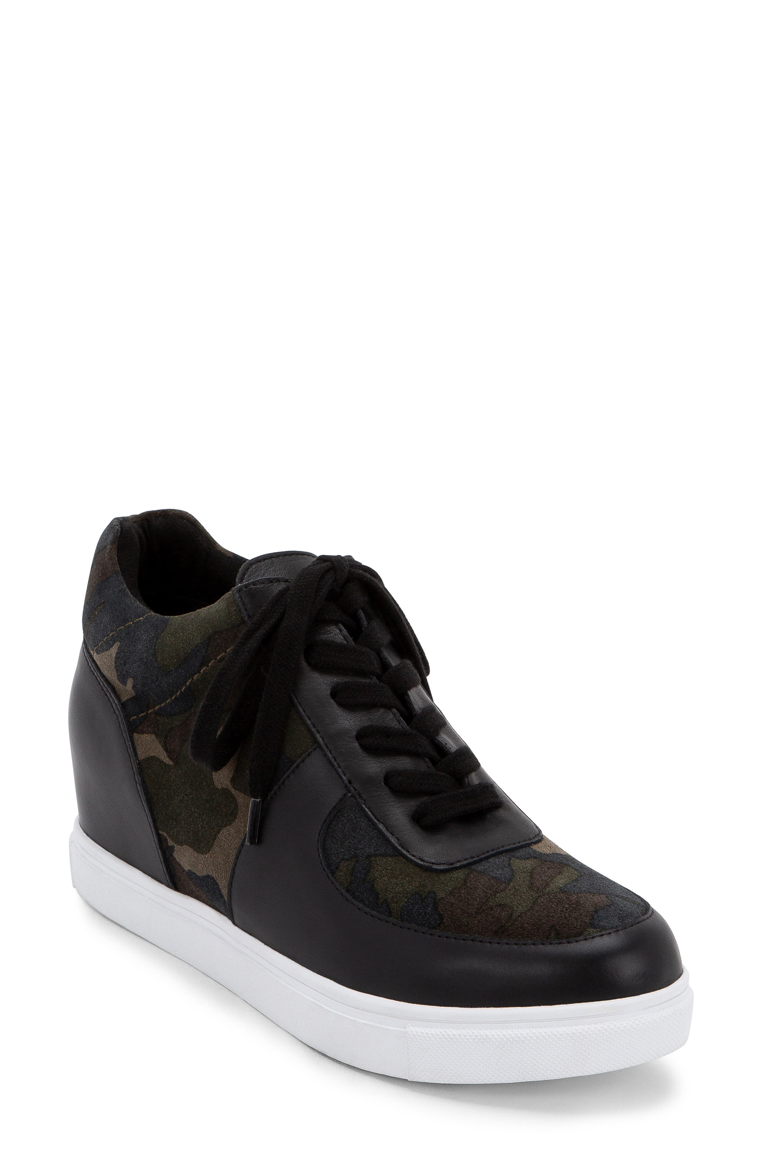 Image of Blondo Goldy Sneaker