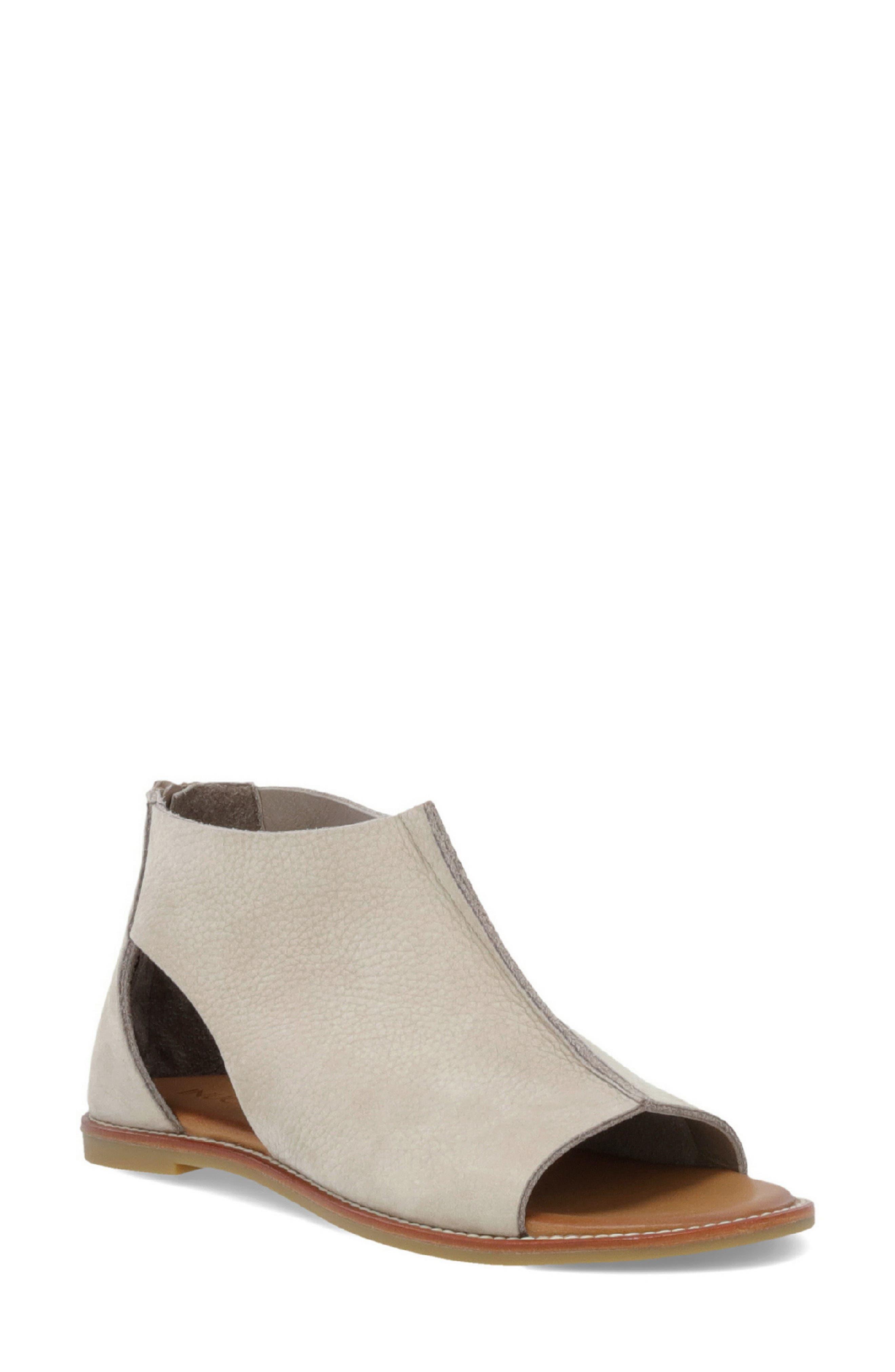 Inuovo Ferna Cutout Sandal