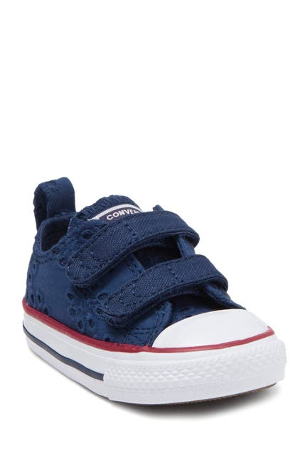 Image of Converse Chuck Taylor All Star 2V Oxford Sneaker