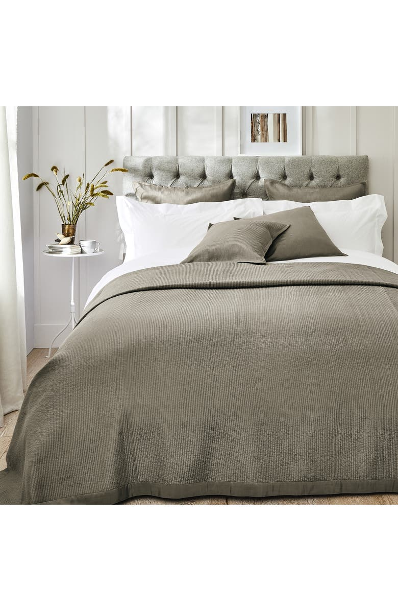 THE WHITE COMPANY Hampstead Cotton & Silk Quilt, Main, color, 020