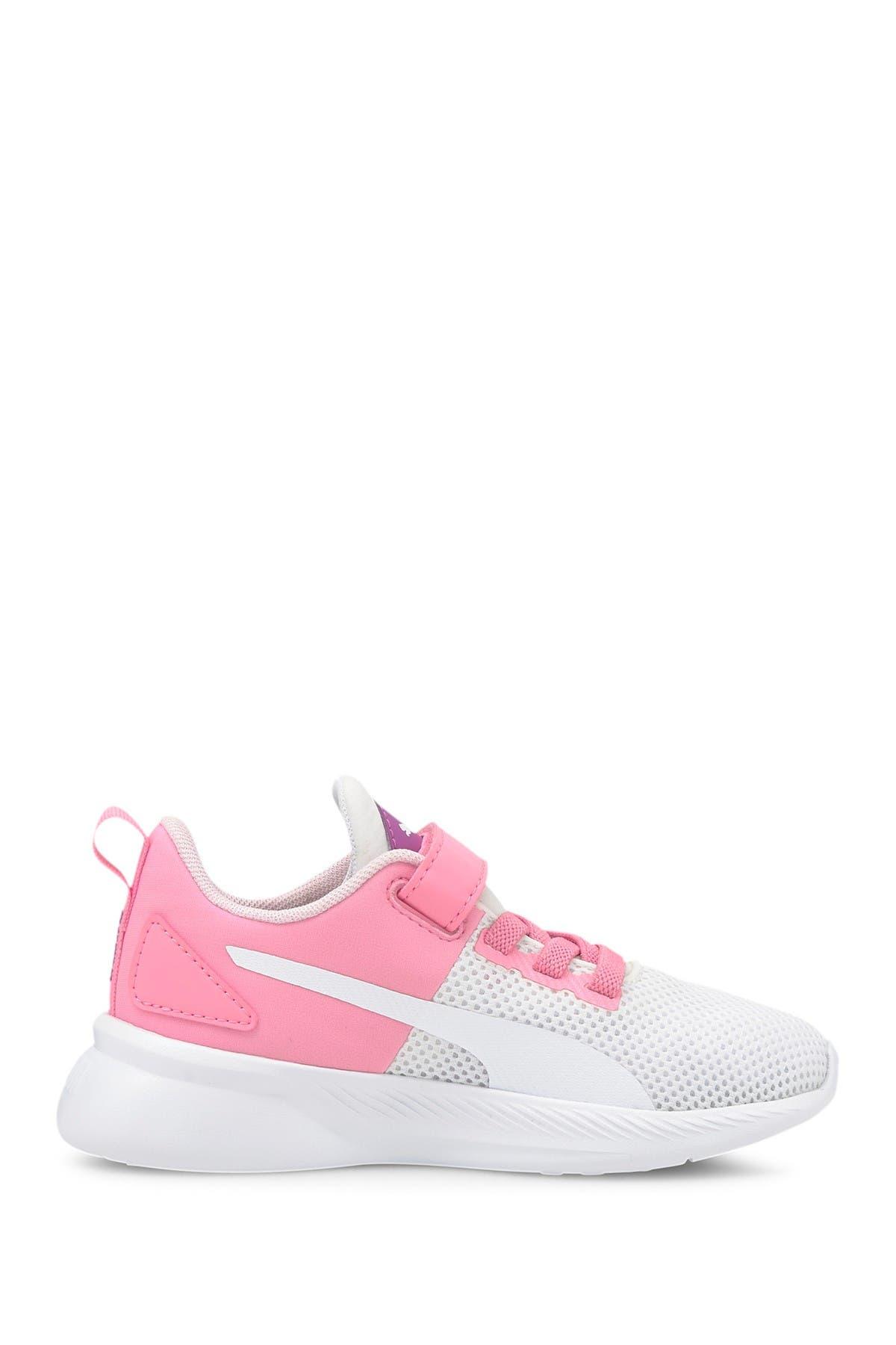 Image of PUMA Flyer Runner Color Twist Sneaker