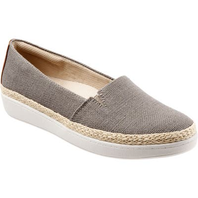 Trotters Accent Slip-On, Beige