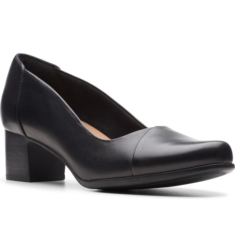 CLARKS<SUP>®</SUP> Un Damson Step Pump, Main, color, BLACK LEATHER