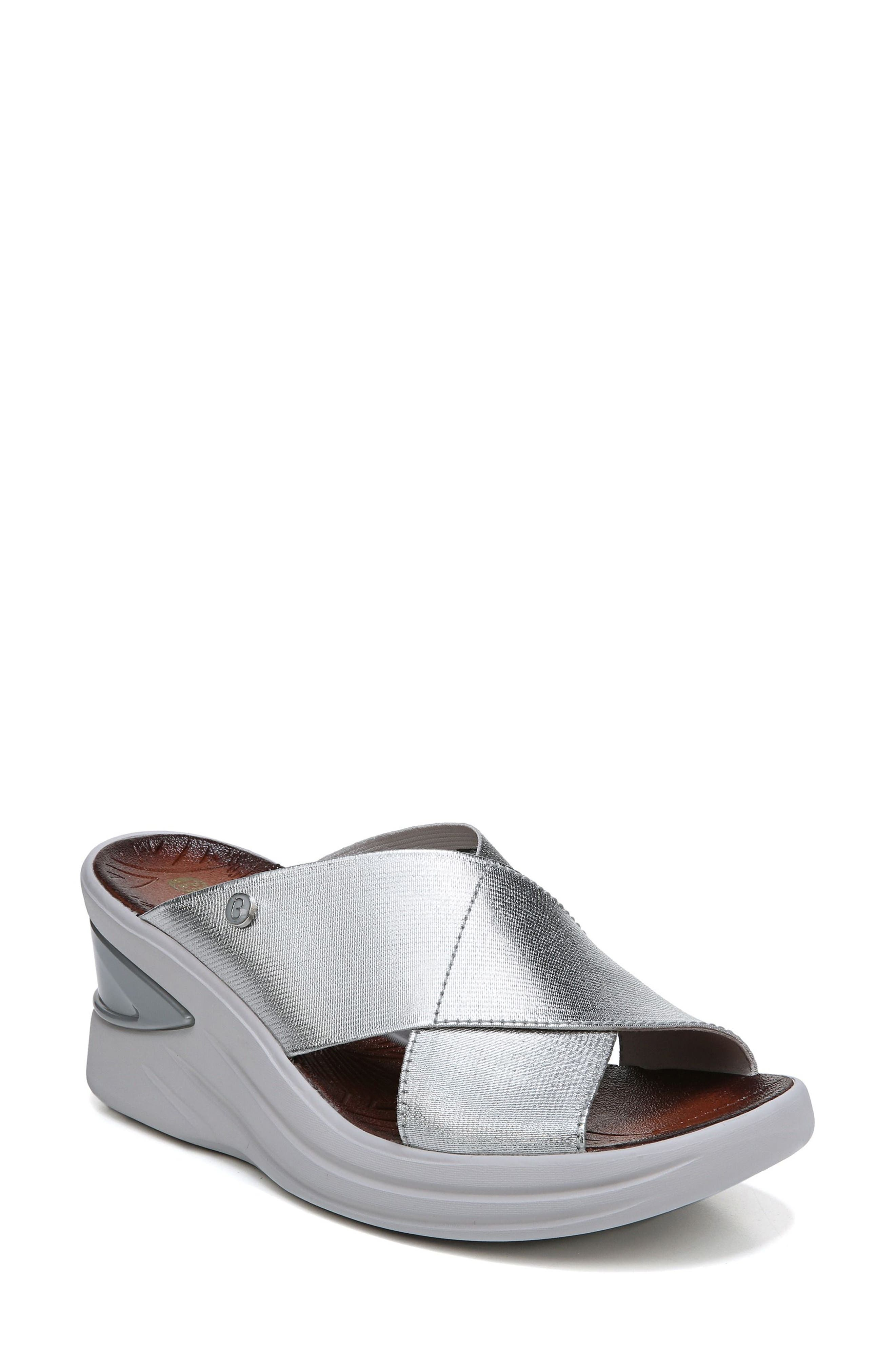 Bzees Vista Slide Sandal, Metallic