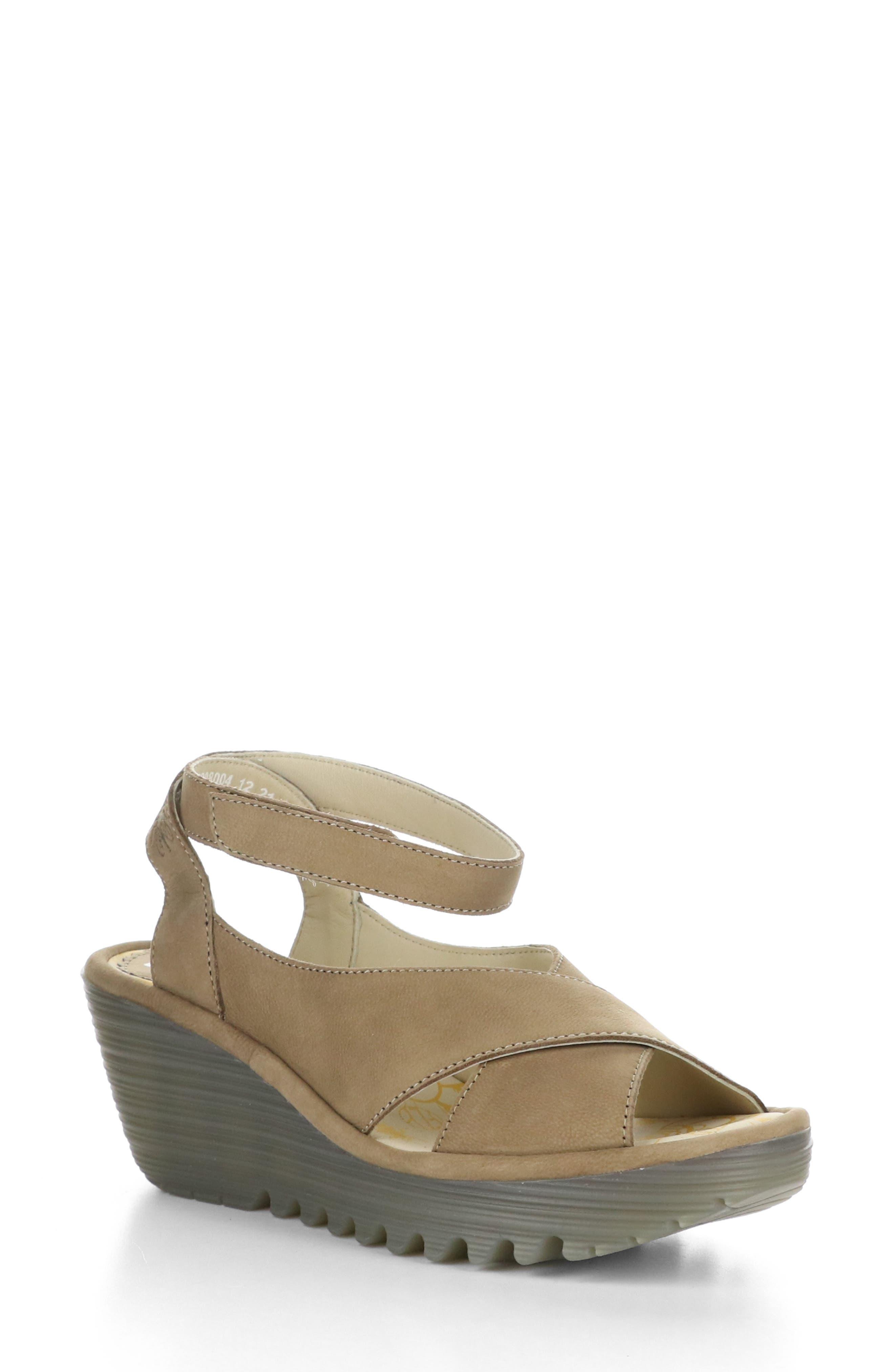 Yivi Wedge Sandal