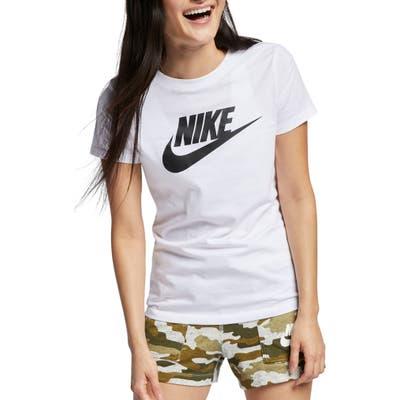 Nike Sportswear Essential Logo Tee