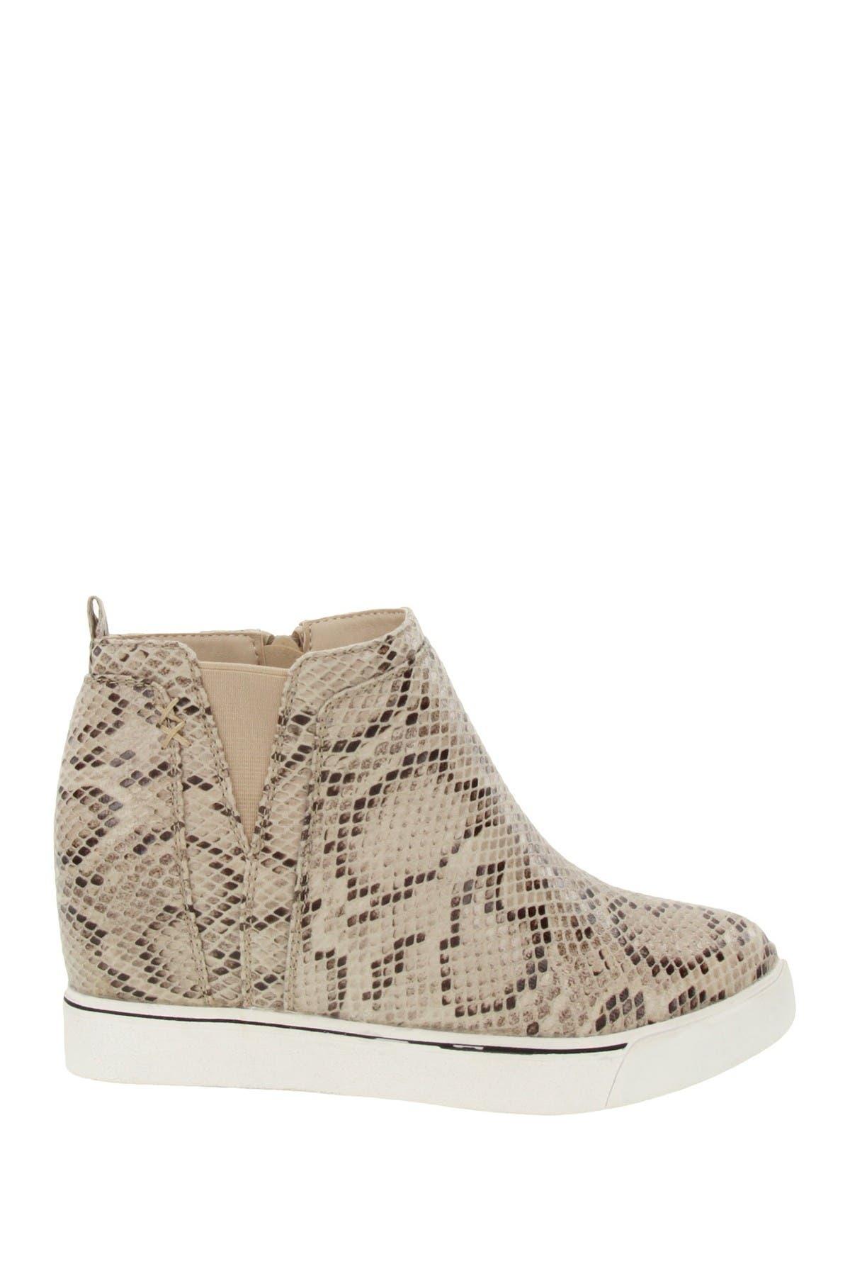 Image of Sugar Glossy Hidden Wedge Sneaker