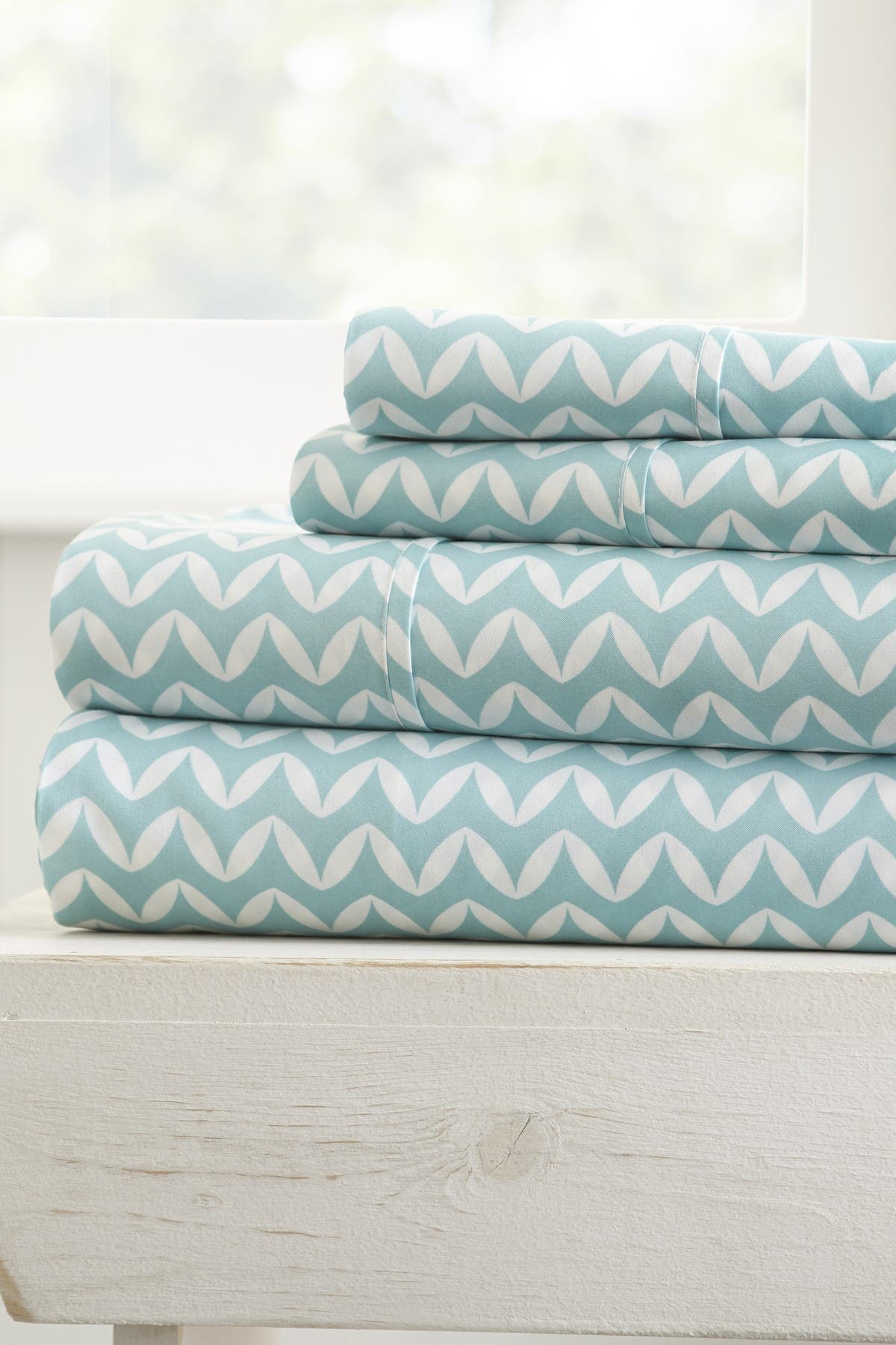 Image of IENJOY HOME The Home Spun Premium Ultra Soft Puffed Chevron Pattern 4-Piece King Bed Sheet Set - Light Blue