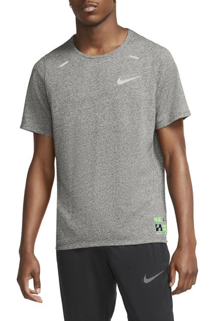 Nike Rise 365 Future Fast Men's Running Top (dark Grey Heather) - Clearance Sale In Grey Heather/ Silver