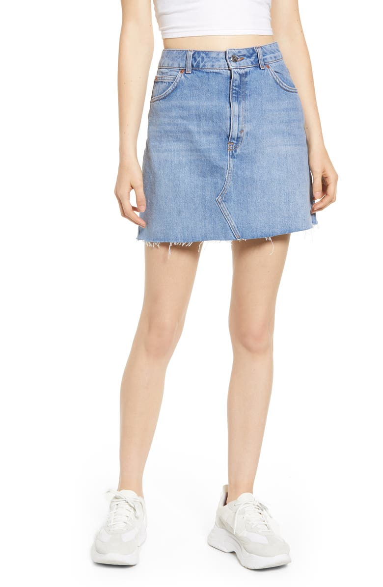 TOPSHOP Moto Frayed Hem Miniskirt, Main, color, MID DENIM
