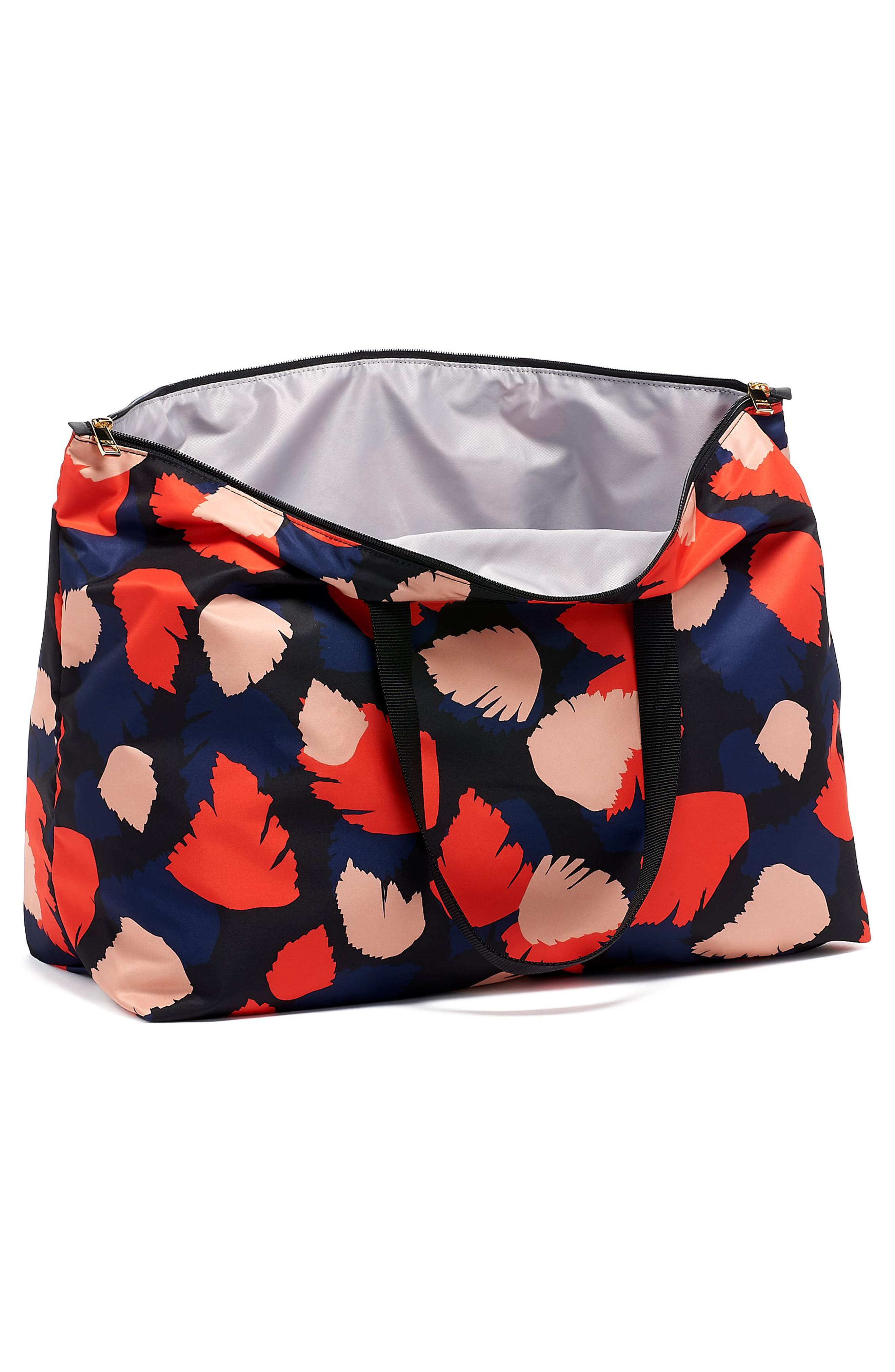 ,                             Voyageur - Just in Case<sup>®</sup> Nylon Travel Tote,                             Alternate thumbnail 3, color,                             CONGO MULTI PRINT