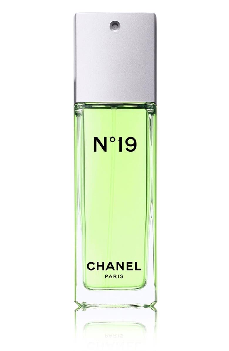 CHANEL N°19 <br />Eau de Toilette Spray, Main, color, NO COLOR