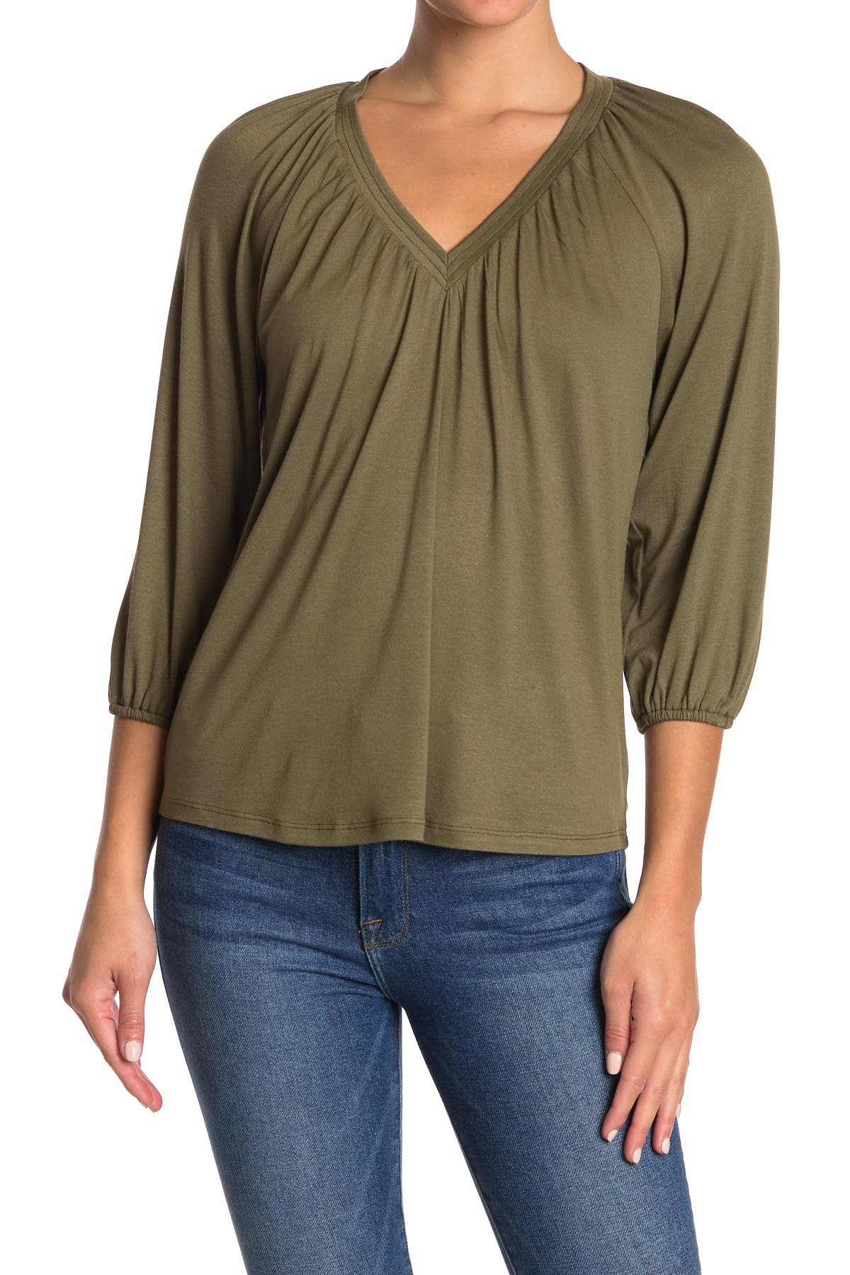 Image of Bobeau Puffed Sleeve V-Neck Top
