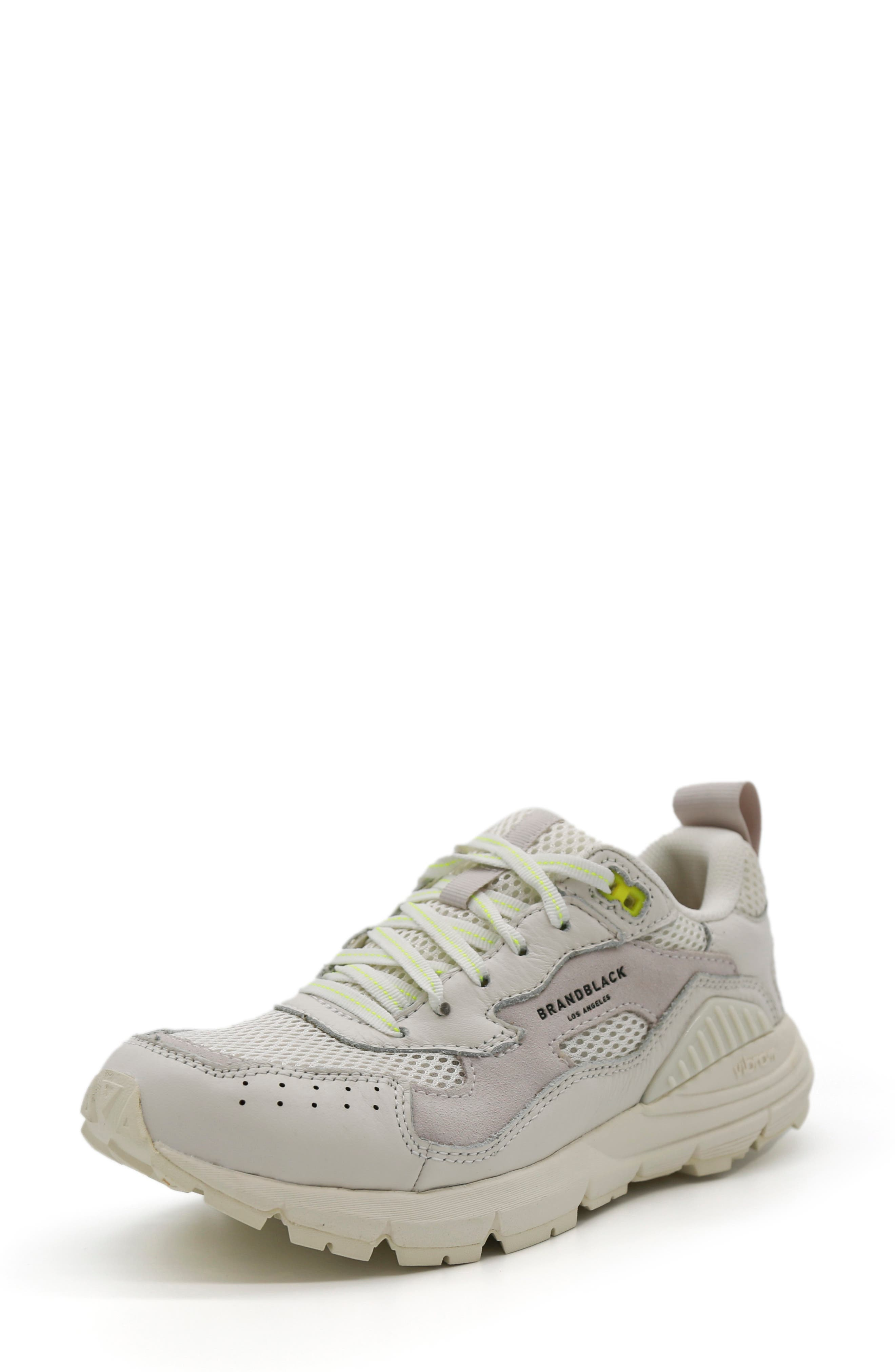 Nomo Running Shoe
