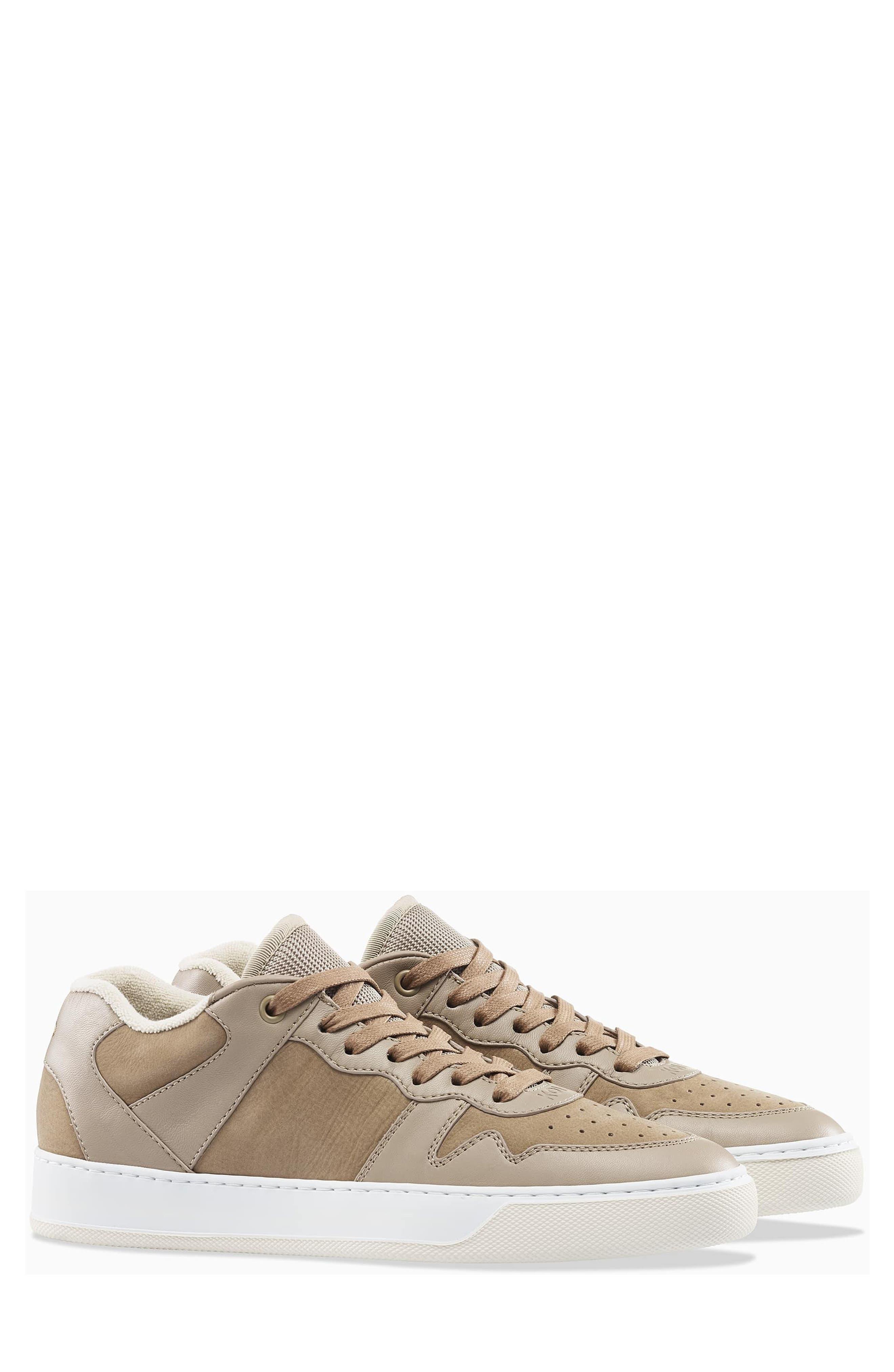 Metro Sneaker