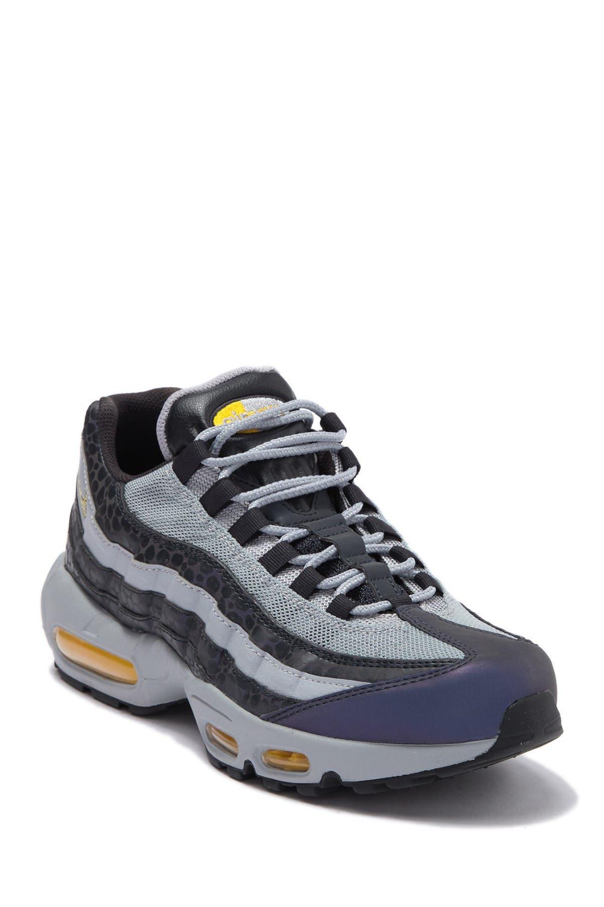 Nike   Air Max 95 SE Reflective Sneaker