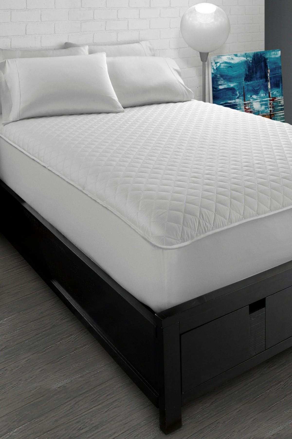 Image of Ella Jayne White Classic Quilted Twin XL Mattress Protector