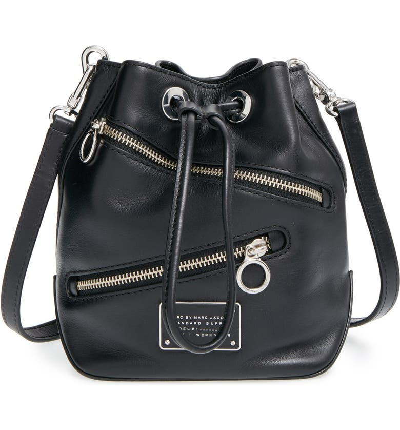 MARC JACOBS MARC BY MARC JACOBS 'SmallToo Hot to Handle' Zip Leather Bucket Bag, Main, color, 001