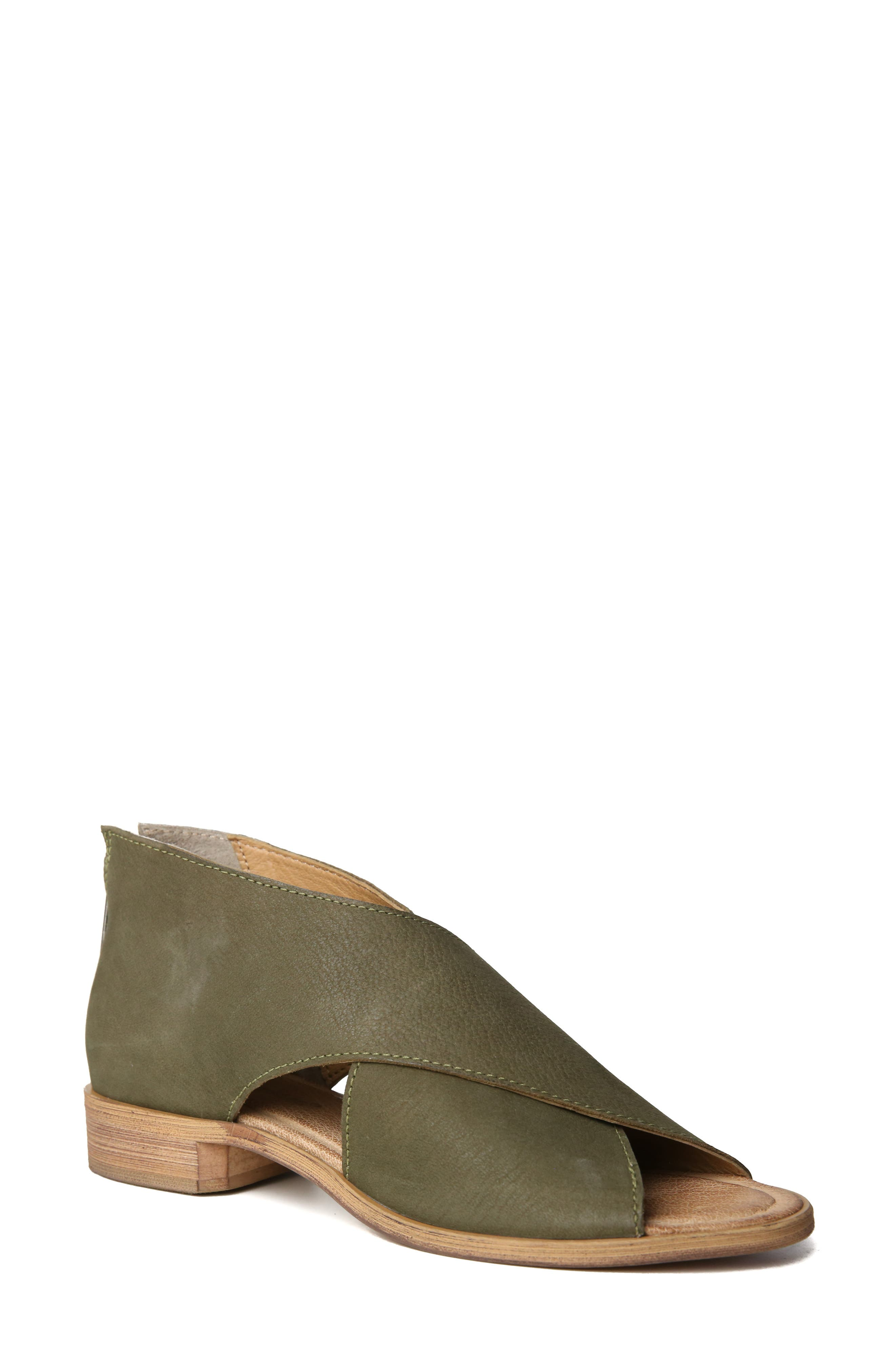 Women's Band Of Gypsies Venice Crossover Sandal