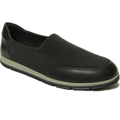 Vaneli Quade Flat- Black