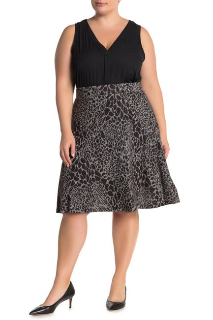 Image of Leota Geometric Print Knee-Length Circle Skirt