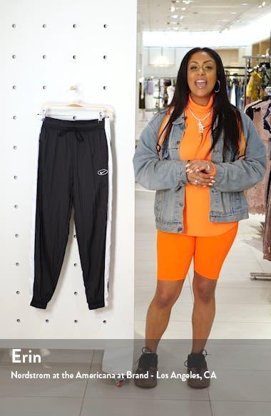 Sportswear Women's Swoosh Woven Pants, sales video thumbnail