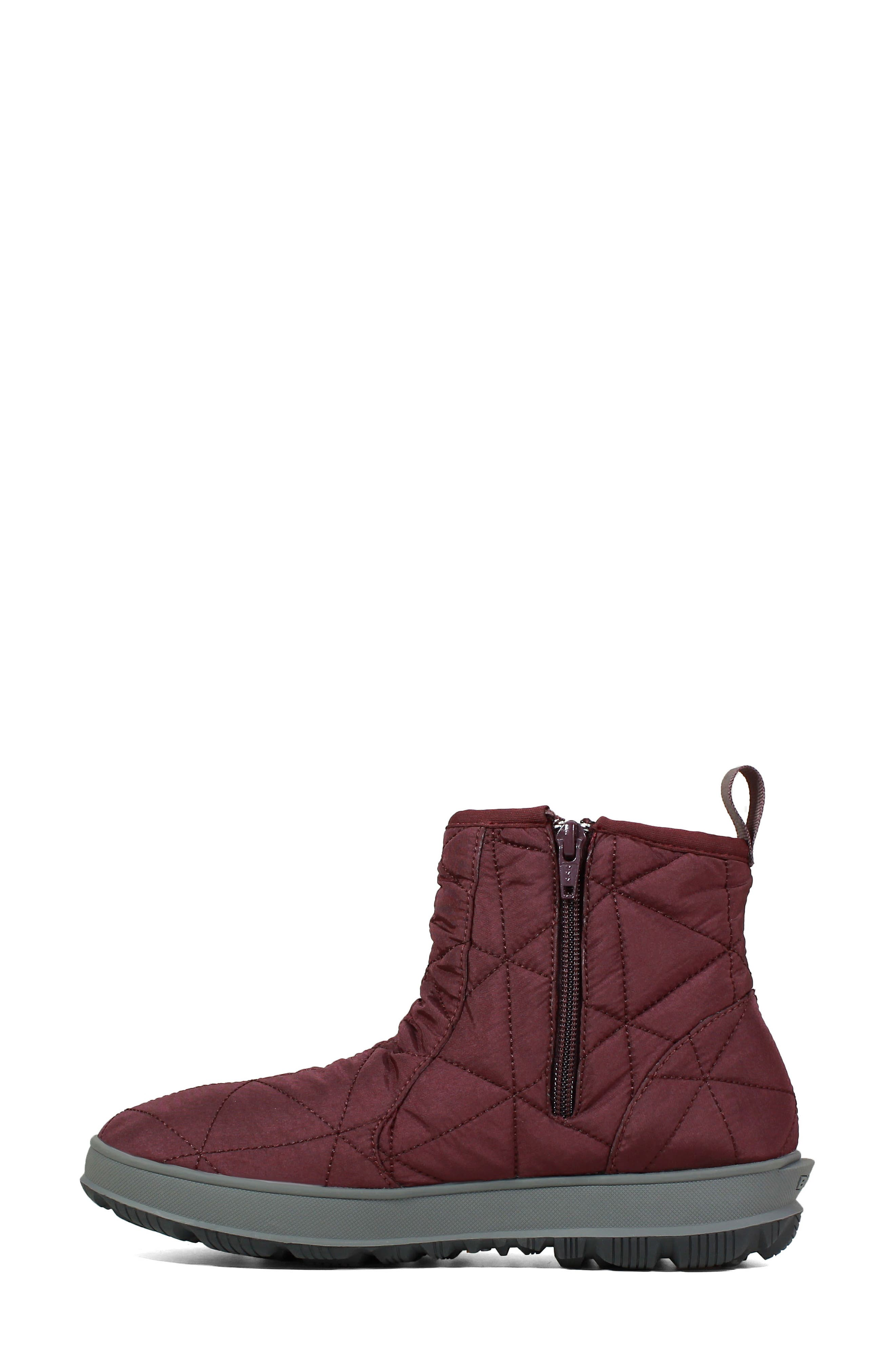 ,                             Snowday Waterproof Quilted Snow Boot,                             Alternate thumbnail 31, color,                             930