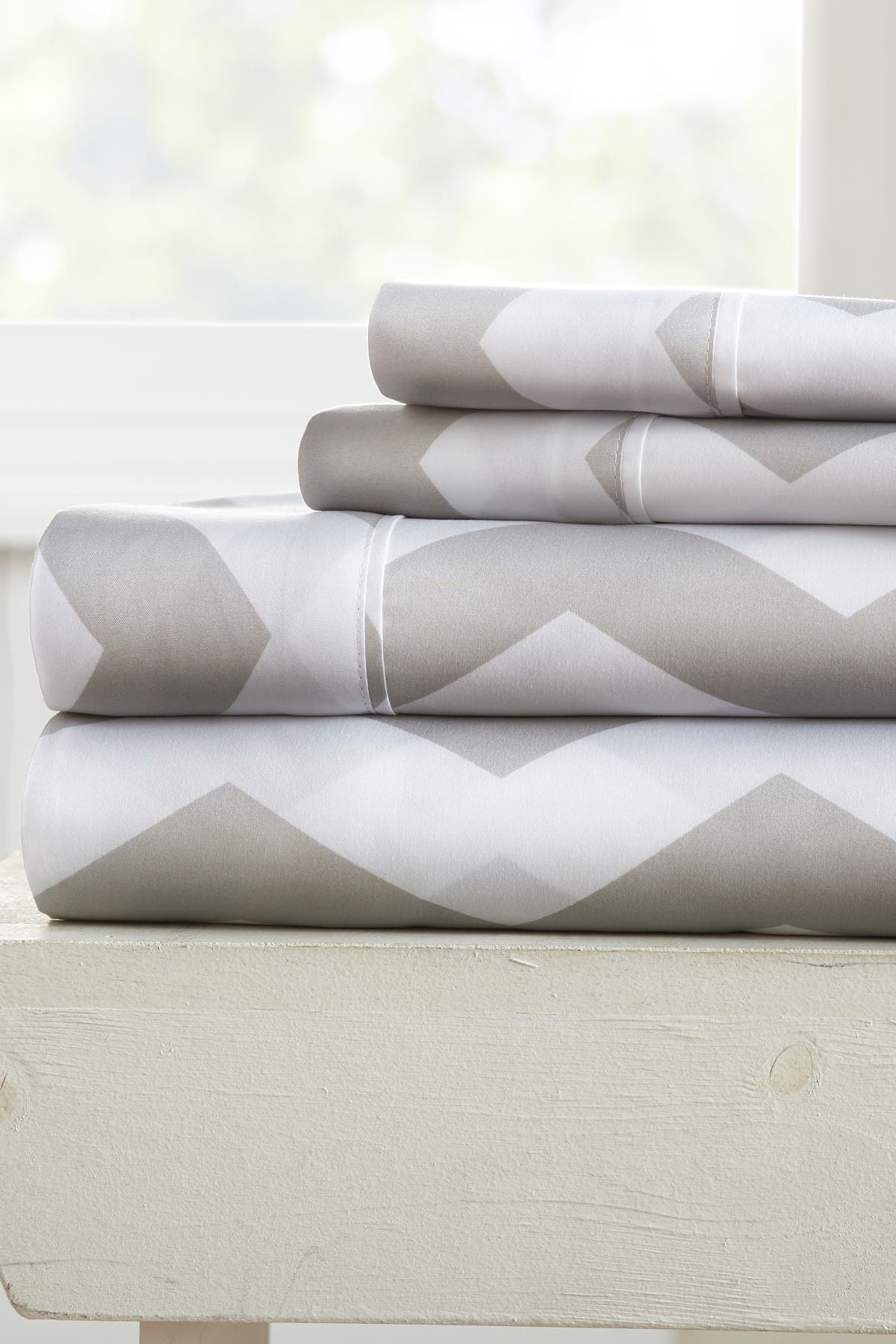 Image of IENJOY HOME The Home Spun Premium Ultra Soft Arrow Pattern 4-Piece Queen Bed Sheet Set - Gray
