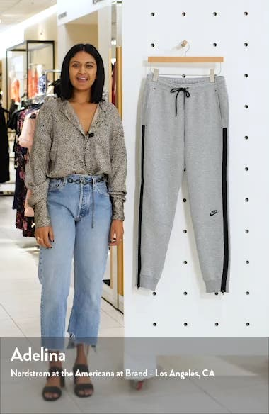 Sportswear Tech Fleece Pants, sales video thumbnail