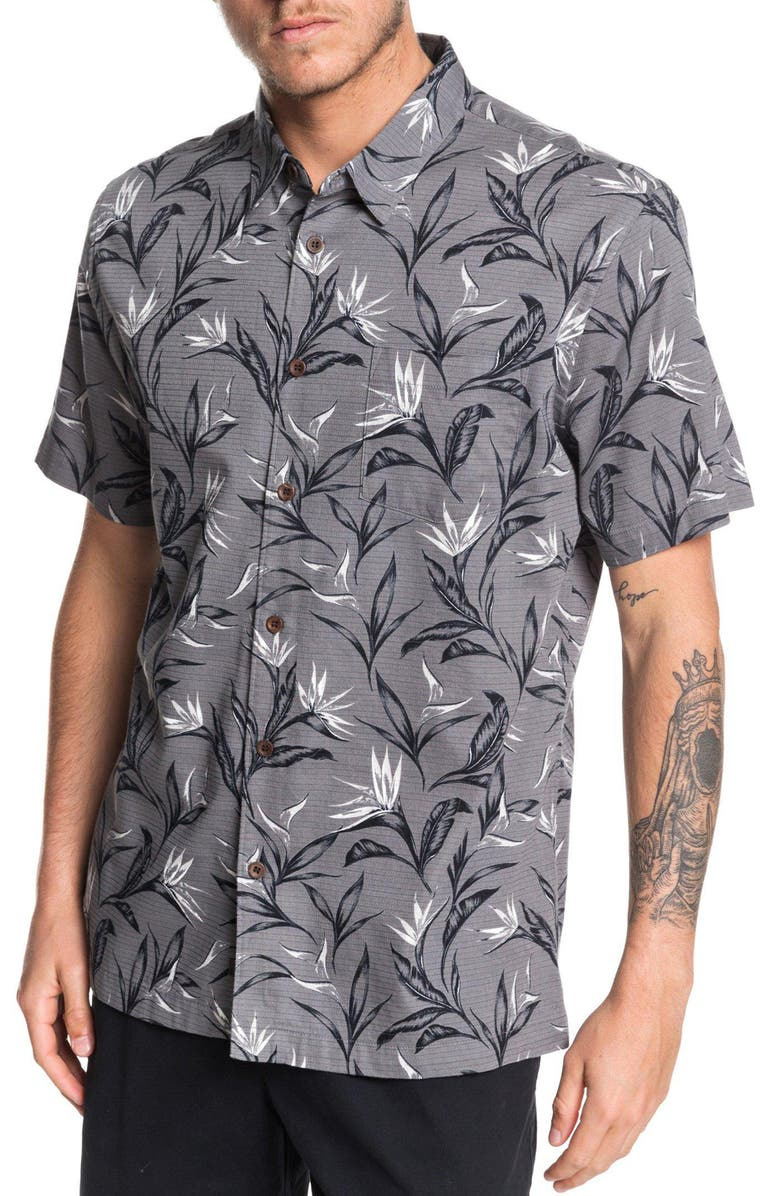 QUIKSILVER Maze Day Regular Fit Short Sleeve Button-Up Shirt, Main, color, 017