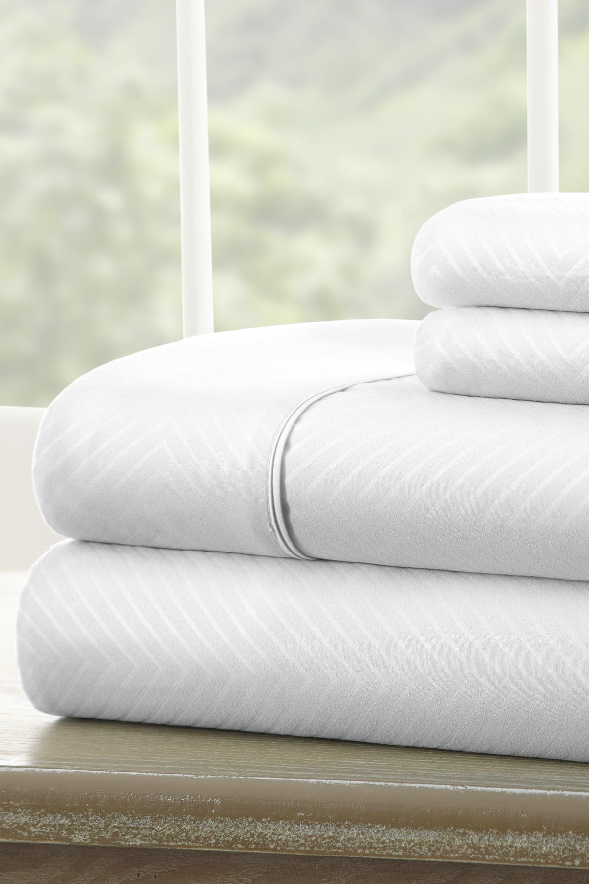 Image of IENJOY HOME Twin Hotel Collection Premium Ultra Soft 3-Piece Chevron Bed Sheet Set - White