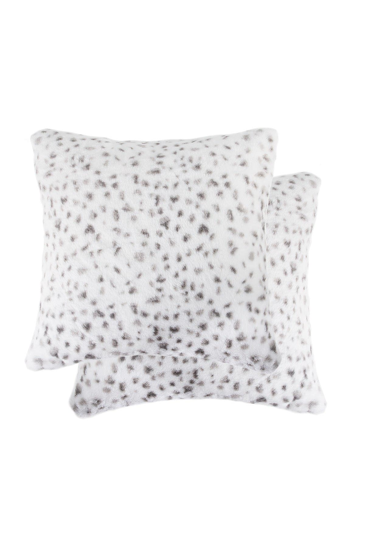 "Image of LUXE Belton Snow Leopard Faux Fur 2-Pack Pillows - 18"" x 18"""