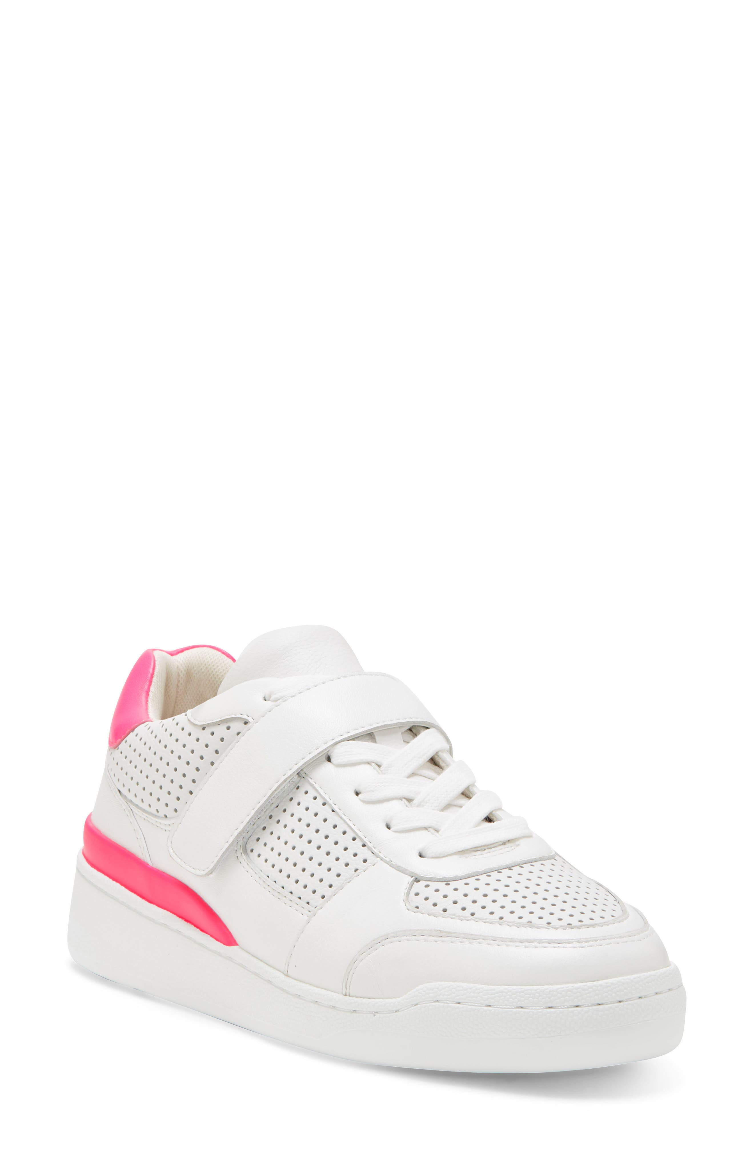 Image of Vince Camuto Sargita Leather Sneaker