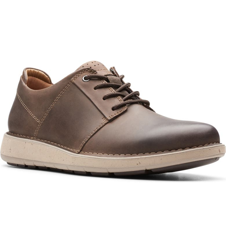 CLARKS<SUP>®</SUP> Un.Larvik Sneaker, Main, color, BROWN OILY LEATHER