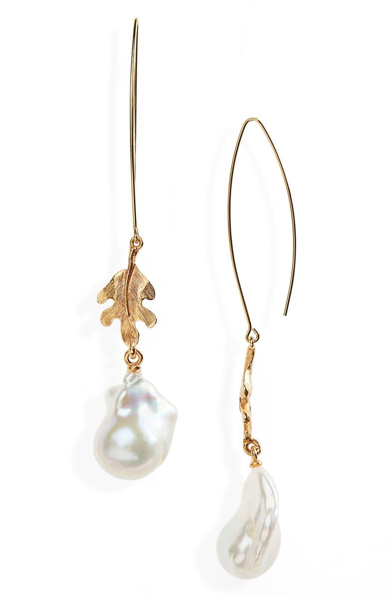 OSCAR DE LA RENTA Acorn Leaf Pearl Earrings, Main, color, GOLD