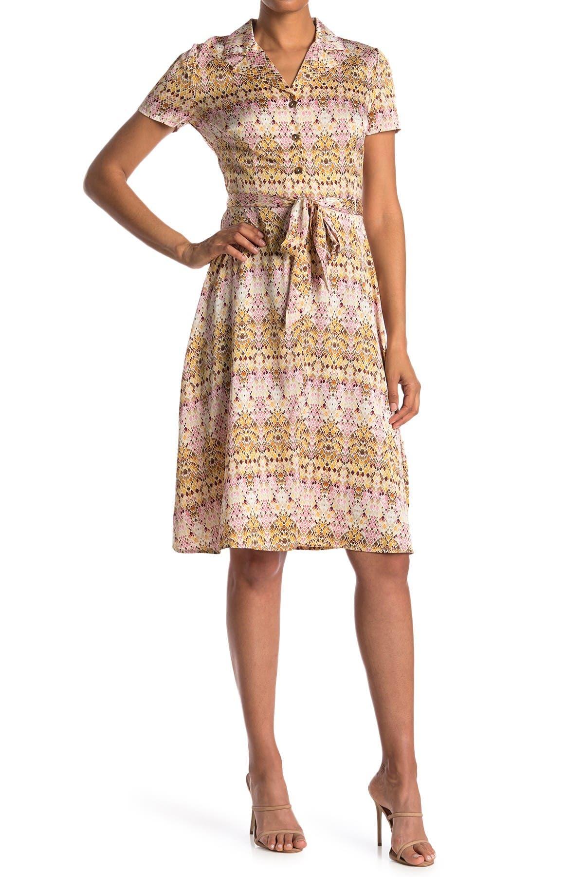 Image of London Times Notch Collar Short Sleeve Geometric Print Dress