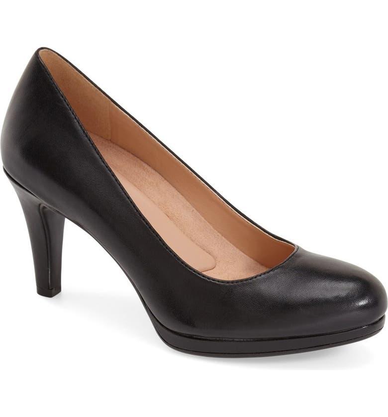 f9dd5a1116f 'Michelle' Almond Toe Pump